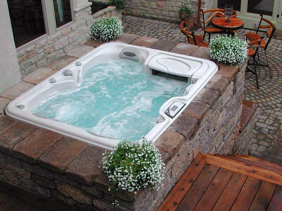outdoor hot tub in Edmonton, Alberta